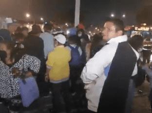 Aunque las puertas de la Iglesia de San Hopólito en la Ciudad de México estuvieron cerradas este año para la celebración del día de San Judas Tadeo, al menos 700 personas llegaron a las instalaciones