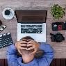 De igual manera, en México el 79% de esta generación afirma que trabaja más de 40 horas a la semana, y más de una tercera parte lo hace por más de 50 horas.