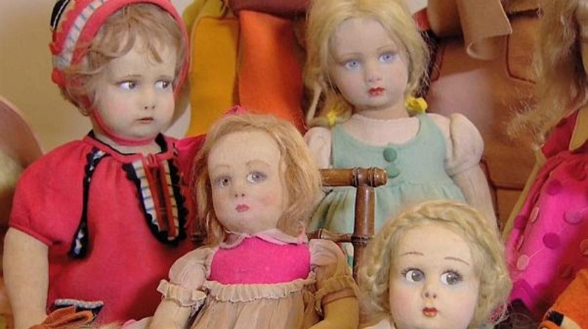 Encuentra en su nueva casa un cuarto secreto llena de muñecas(Tomada de la red)