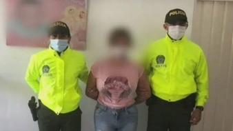 Una mujer abusaba de sus dos hijas menores de 15 años para grabarlas y vender los videos a pedófilos