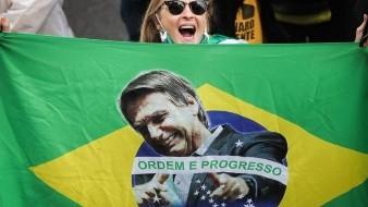 Bolsonaro defiende la liberación de las armas en el Día de Muertos