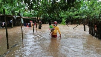 En Honduras los habitantes se encuentran en alerta roja por huracán Eta