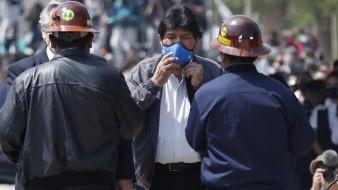 El exmandatario boliviano Evo Morales (2006-2019) cruzó este lunes por la mañana la frontera con Bolivia después de casi un año viviendo en Argentina, en un acto que contó con la presencia del presidente argentino, Alberto Fernández.