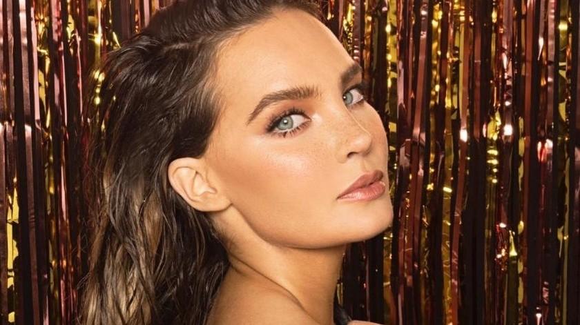 Los comentarios de la fotografía no dejaron de elogiar a la cantante y su gran belleza, ya quemuestra sus ojos color verde esmeralda, con un maquillaje intenso y su cabellera rubia.(Instagram/belindapop)