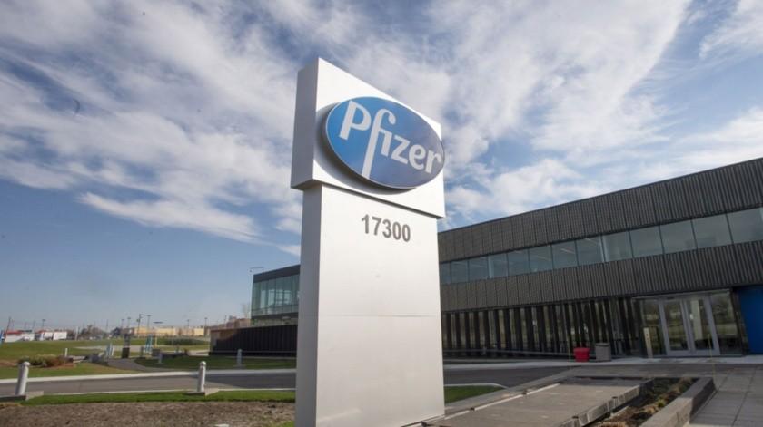 Pfizer es una de las compañías que desarrolla una vacuna contra el Covid-19.(AP)