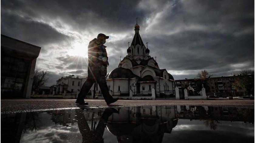 """El miércoles, el presidente del país, Vladímir Putin, constató la """"compleja"""" situación con el coronavirus en distintas regiones del país(EFE)"""