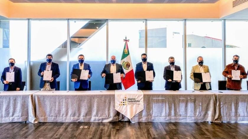 Los gobernadores aliancistas dijeron que no es casualidad que se suscribiera esta impugnación el 20 de noviembre, Día de la Revolución Mexicana.(Especial)