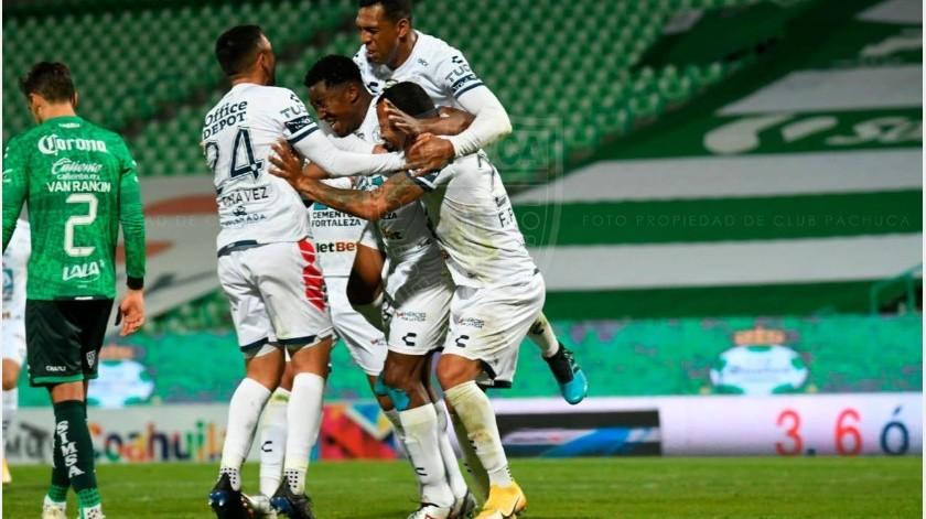 Los jugadores del Pachuca celebran un gol.(Club Pachuca)