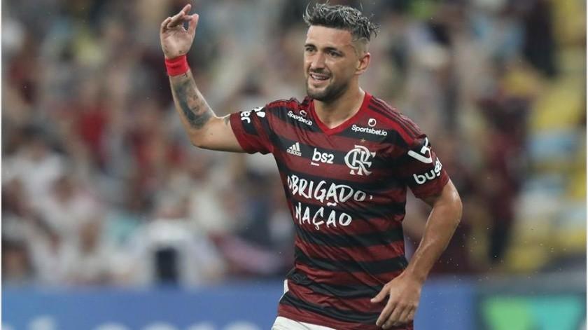 Flamengo suma valiosos tres puntos al vencer a Coritiba y se apodera del liderato(EFE)