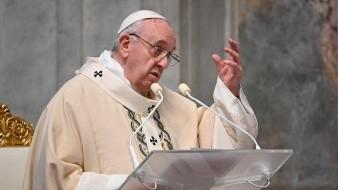 El papa Francisco pidió hoy a los jóvenes que no se dejen