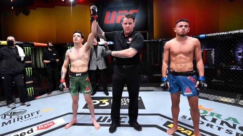 Brandon Moreno gana y pide oportunidad por título de UFC(Cortesía)