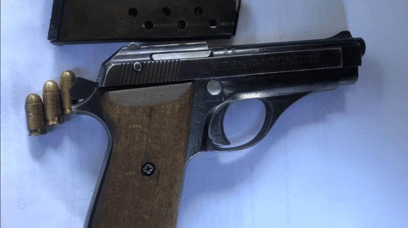 Mexicalense armado es detenido en SLRC(Cortesía)