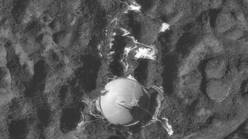 Luego de seis décadas de valioso uso, el radiotelescopio de Arecibo, ubicado en Puerto Rico, será desmantelado. Las fallas en su estructura han hecho inviable su reparación.