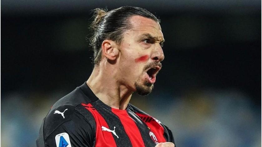 """¡Travesuras del """"Chucky"""" no causaron efectos en Zlatan! AC Milán vence al Napoli(Instagram @acmilan)"""