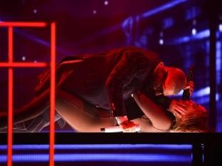 Maluma y Jennifer Lopez en los AMA`s.