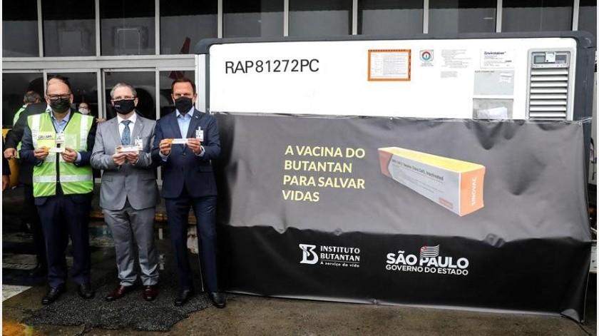Las autoridades sanitarias de Sao Paulo informaron este lunes que el estudio de la fase 3 de la vacuna alcanzó ya el número mínimo de voluntarios infectados por la covid-19 para poder obtener un análisis de su eficacia.(Imagen ilustrativa-EFE)