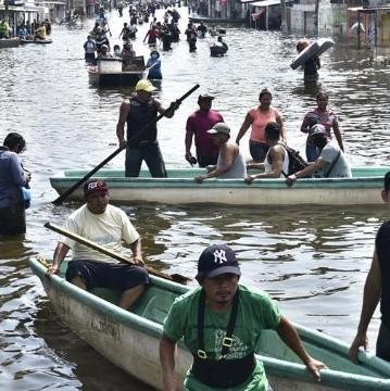 Inundaciones en Tabasco: Se desborda Usumacinta; AMLO firma decreto sobre presas