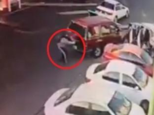 Revelan momento del asalto en gasolinera que dejó un guardia muerto y a otro herido