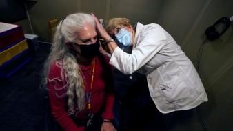 Cubrebocas sacan a relucir problemas auditivos