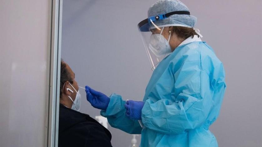 La Secretaría de Salud reportó 10 mil 794 casos más confirmados de Covid-19, siendo la cifra más alta para un sólo día, con lo que suman un millón 60 mil 152 enfermos.