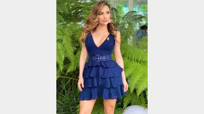 Cynthia Rodríguez deja ver sus piernas con este vestido(Instagram)