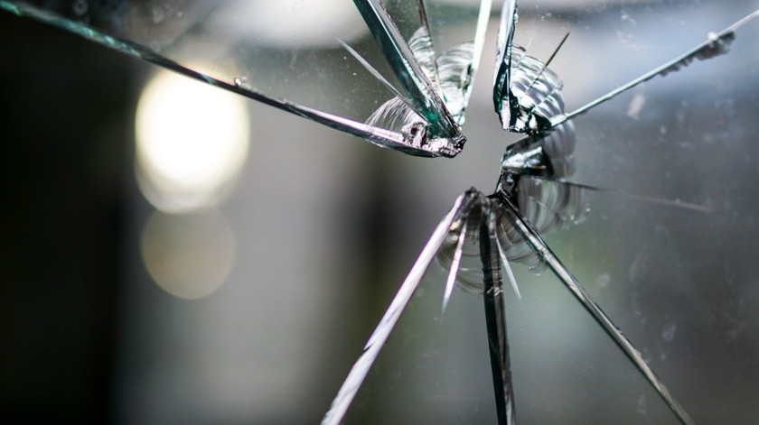 Un pequeño de tres años de edad perdió la vida a bordo del vehículo de la familia al ser alcanzado por uno de los disparos de arma de fuego.