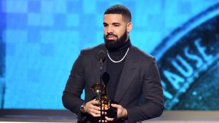 Drake opina que los Grammy han perdido su importancia ante la música y apoya a su amigo The Weekend.
