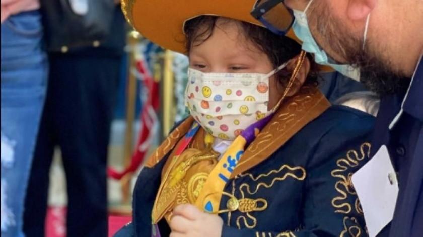 Adriano desde el primer año de su vida fue diagnosticado con cáncer(Twitter Children's Hospital)