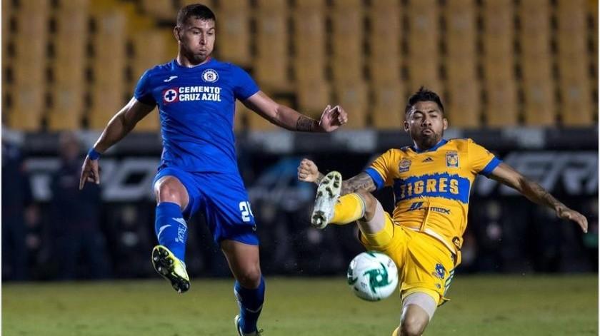Juan Escobar marcó el primer gol de Cruz Azul.(EFE)