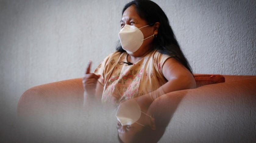 La líder indígena María de Jesús Patricio, conocida como Marichuy, habla durante una entrevista en la ciudad de Guadalajara, Jalisco.(EFE)