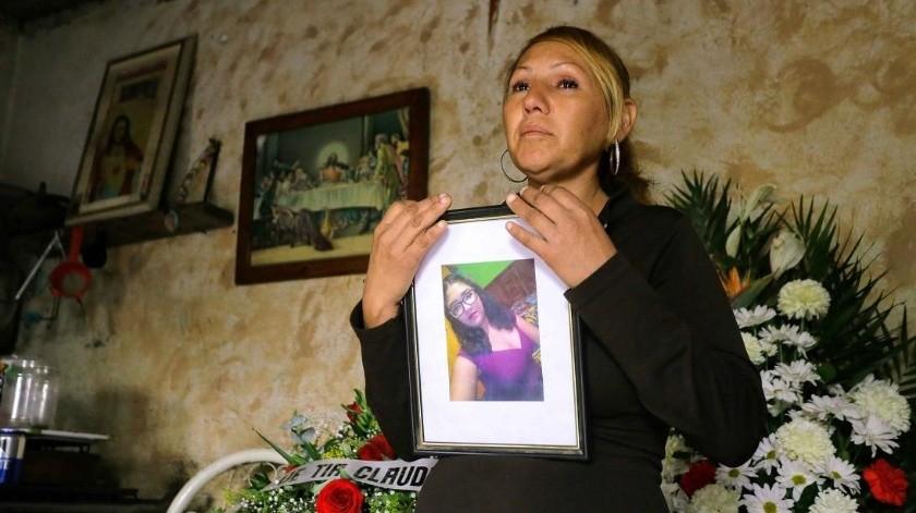 "Feminicidio de Karina: ""Quiero ver al perro que mató a mi hija"", madre(El Universal)"