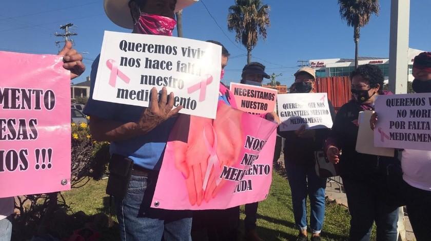 Con peticiones esperan el arribo de AMLO a Rosarito(Carmen Gutiérrez)
