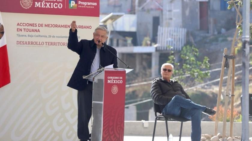 Destaca AMLO lucha contra la desigualdad con plan de urbanización(Sergio Ortiz)