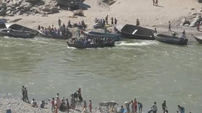 Refugiados cruzan El río Tekeze una frontera natural entre Etiopía y Sudán(Captura pantalla Sky News)