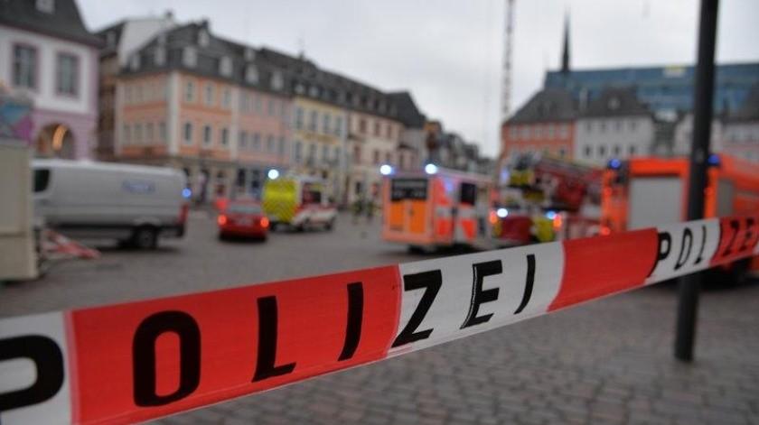 El alcalde Wolfram Leibe dijo a la emisora SWR que además de los dos muertos, 15 personas sufrieron heridas graves.(AP)