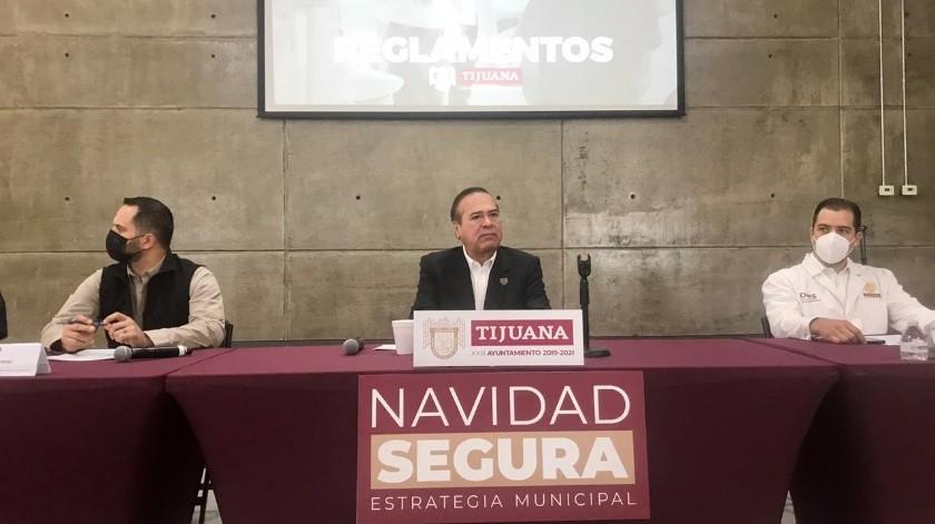 """En conferencia de prensa, el alcalde Arturo González Cruz dio a conocer los detalles del operativo """"Navidad segura"""".(Glenn Sanchez)"""
