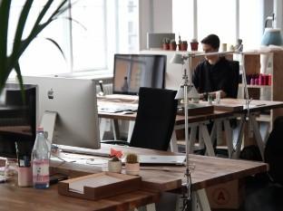 Semana de 4 días: las ventajas y desventajas de acortar los días de trabajo