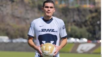 Johan Vásquez es titular en la defensa de Pumas.