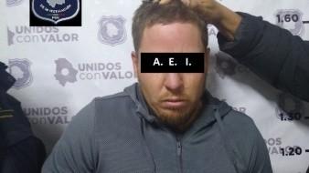 El presunto agresor fue detenido enen el municipio Galeana, y fue identificado como Abel L, quien intentó huir del operativo del grupo de órdenes de aprehensión de la Fiscalía General del Estado de Chihuahua.