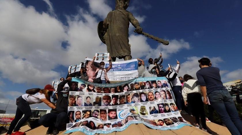 """Los miembros del colectivo """"Todos somos Erick Carrillo"""", marcharon hasta la glorieta a Cuauhtémoc en zona Río.(Sergio Ortiz)"""