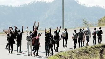 Llama AMLO a funcionarios en aduanas, GN y Policía de Caminos a ser honestos con migrantes