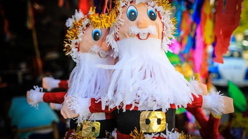 Piñatas en venta en el negocio de la familia Cornejo en Acapulco, Guerrero.(EFE)