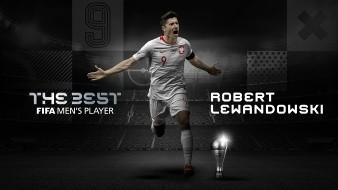 Robert Lewandowski superó a Messi y Cristiano