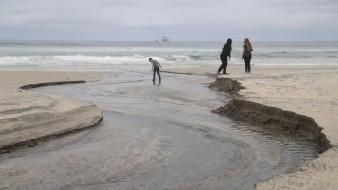 Instalarán malla para evitar basura en playas