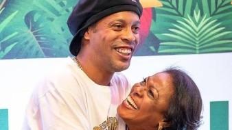 Madre de Ronaldinho enferma por Covid-19, pide oraciones para ella