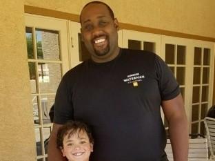 Phillip Foye y su hijo Sebastián fueron encontrados sin vida en su casa, en Arizona