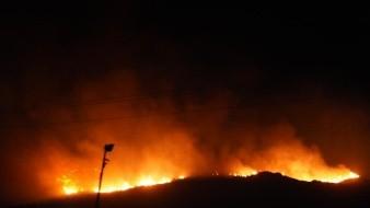 Evacuan a 21 familias por incendios en Nochebuena