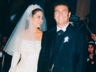 La cantante Lucero aclaró por medio de un video en Youtube que su matrimonio con el intérprete Manuel Mijares fue por amor, no a causa de un contrato.