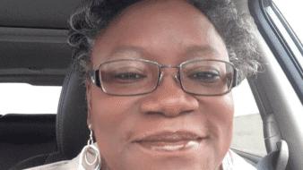 La doctora afroamericana Susan Moore enfermó de coronavirus yen un video denunció que tuvo por rogar atención médica adecuada en un hospital de Indiana; días después falleció
