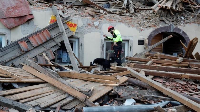 Un fuerte sismo golpeó este martes la ciudad de Petrinja, en el centro de Croacia, causando graves daños materiales y la muerte de al menos una persona.(EFE)